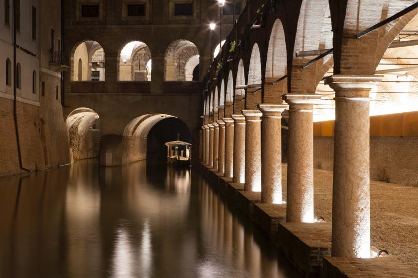 la-nuova-illuminazione-delle-pescherie-di-giulio-romano-a-mantova-foto-gaia-cambiaggi
